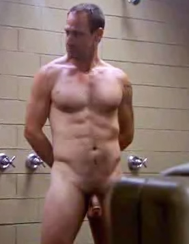 http://cdn1.image.sexymalecelebrities.com/t1/content/chris-meloni/large.jpg